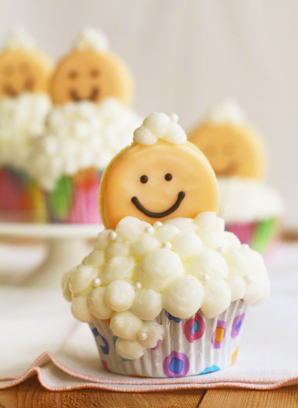 Bubble Baby Shower Cupcakes