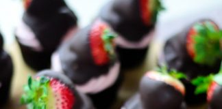 Gorgeous Chocolate Covered Strawberry Cupcakes