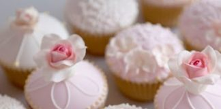 Pale Pink Valentine's Day Cupcakes