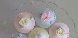 Pink and Blue Rose Cupcakes