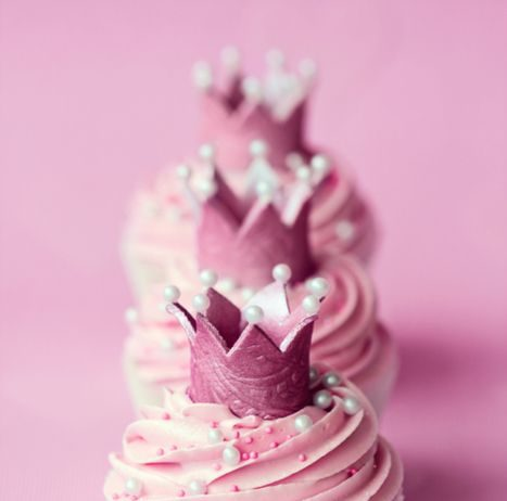Crown And Pearls Cupcakes