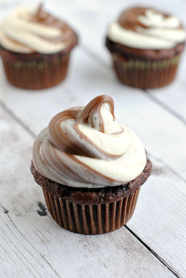 Brown and White Nutella Cupcakes