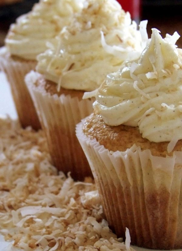 Coconut Cream Frosted Cupcakes