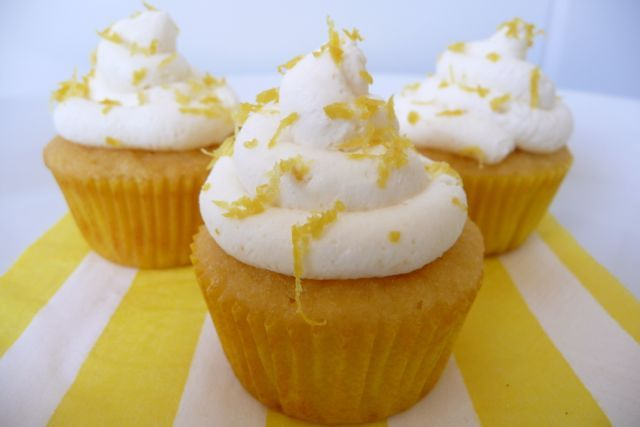 Lemon Frosted Cupcakes