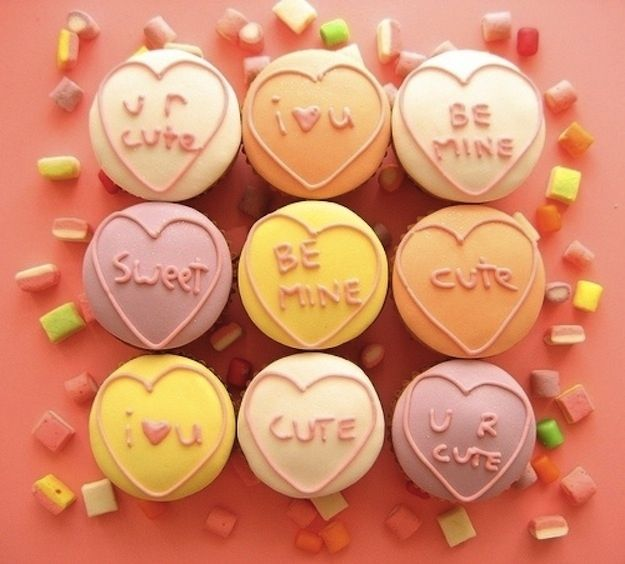 So Cute Valentine's Day Cupcakes