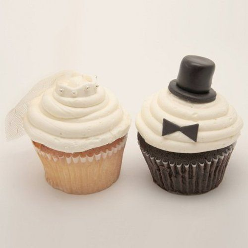 Bride And Groom Cupcakes