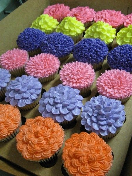 Colorful Flowers Cupcakes