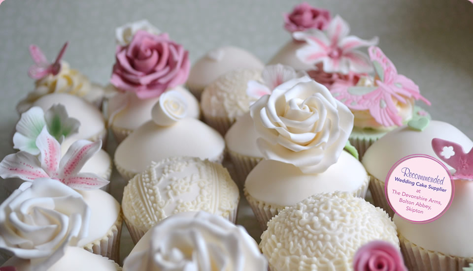 Lilies And Roses Wedding Cupcakes
