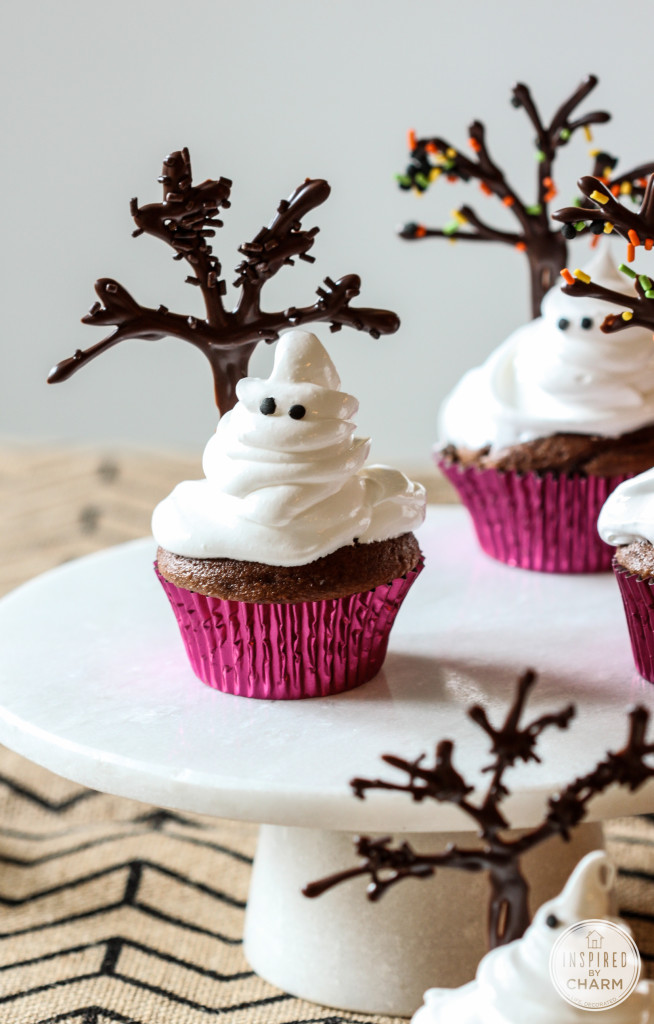 Sweet And Scary Ghost Cupcakes