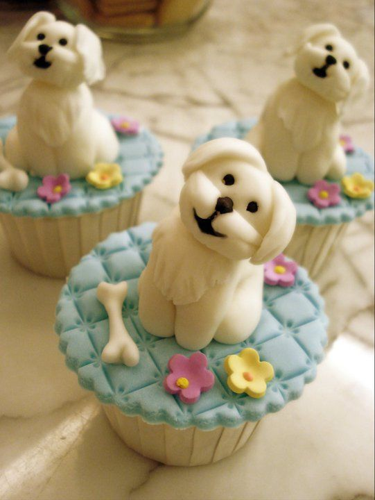 Adorable Puppy Topped Cupcakes