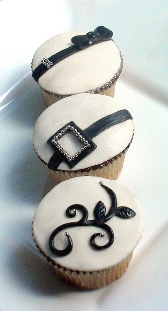 Black and White with Silver Accent Cupcakes