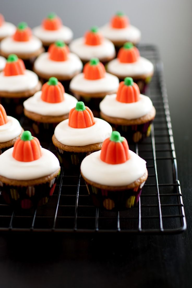 Cheese Frosted Pumpkin Cupcakes