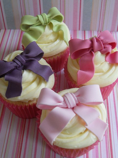 Colorful Bow Cupcakes
