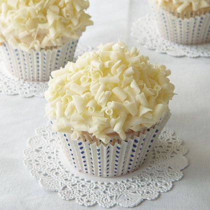 Cute White Chocolate Cupcakes