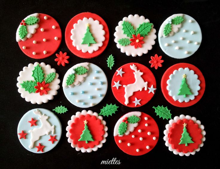 Gorgeous Christmas Tree Cupcake Toppers