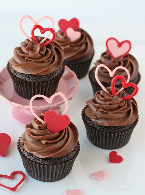 Heart Topped Chocolate Cupcakes