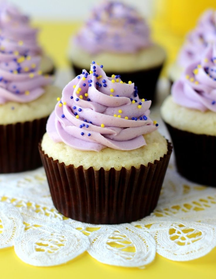 Purple Blueberry and Lemon Curd Cupcakes