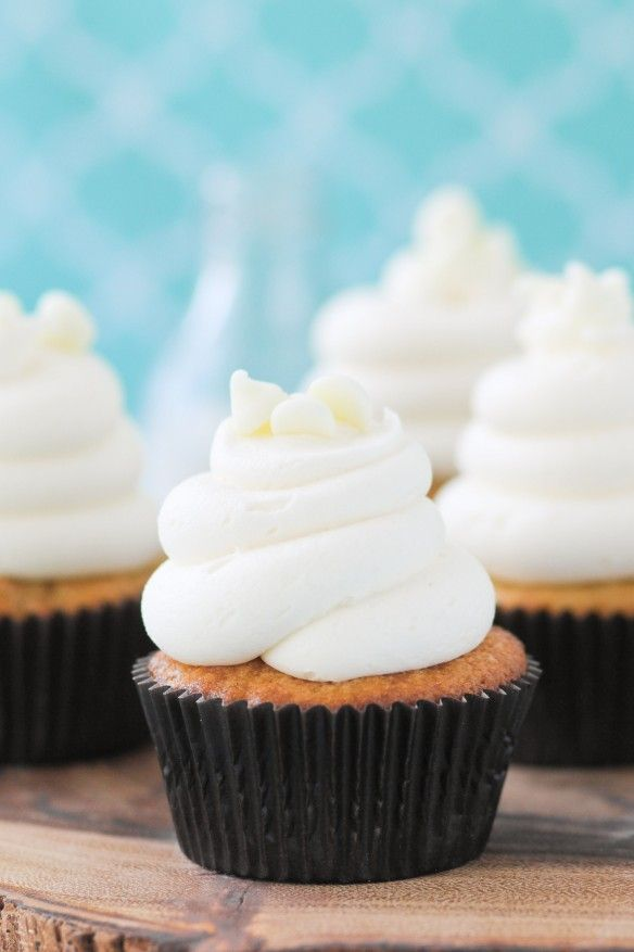 Simple White Chocolate Macadamia Nut Cupcakes