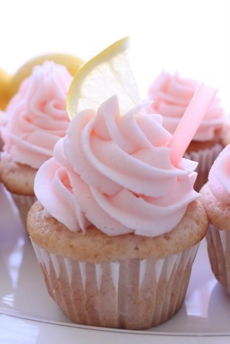 Strawberry Icing White Chocolate Cupcakes