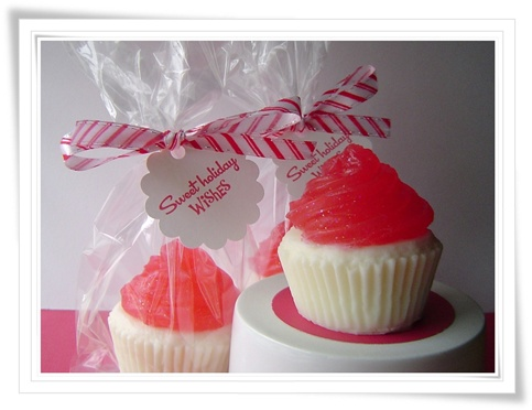 Sweet Holiday Wishes Cupcakes