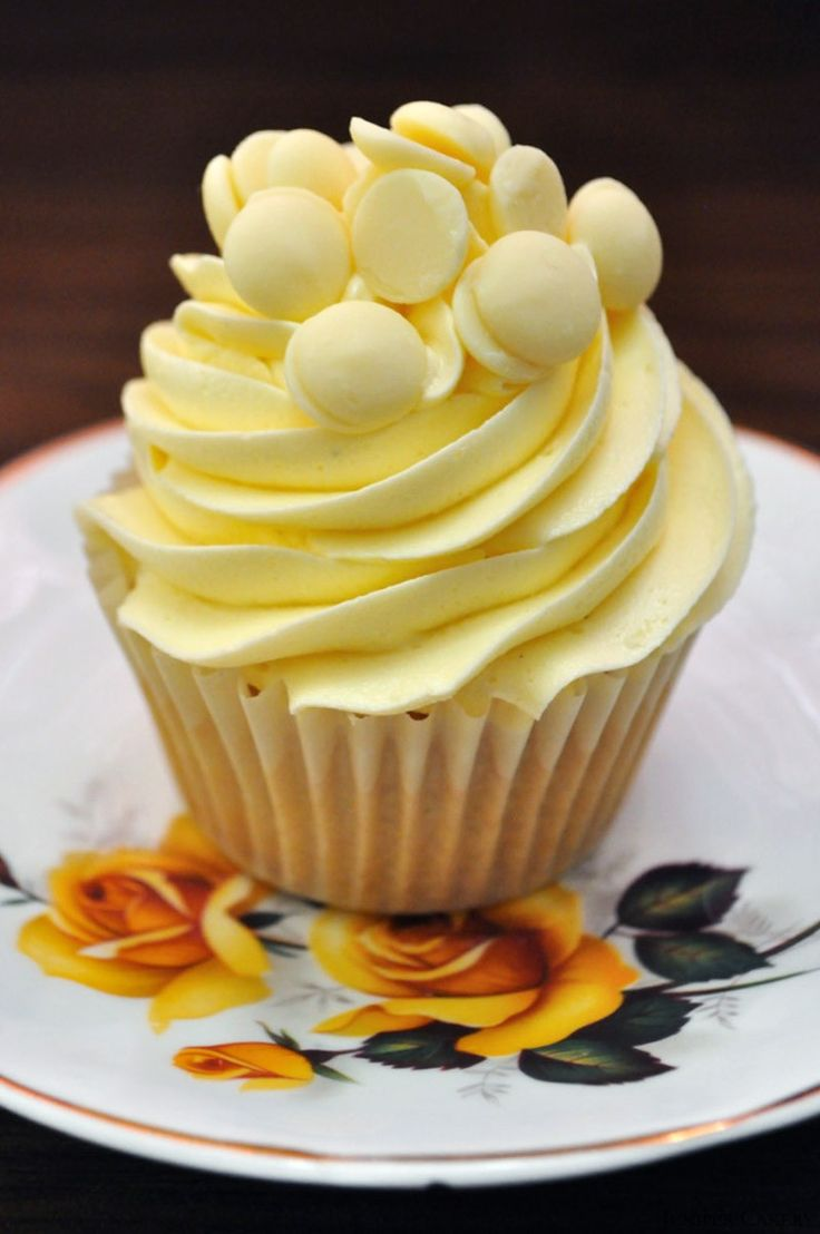 Sweet White Chocolate Cupcakes`