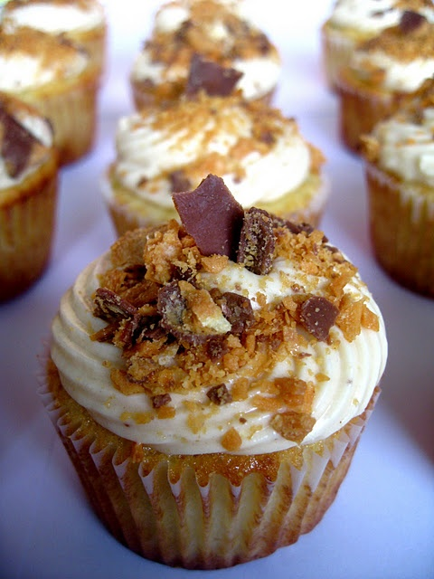 Yummy Peanut Butter and Banana Cupcakes