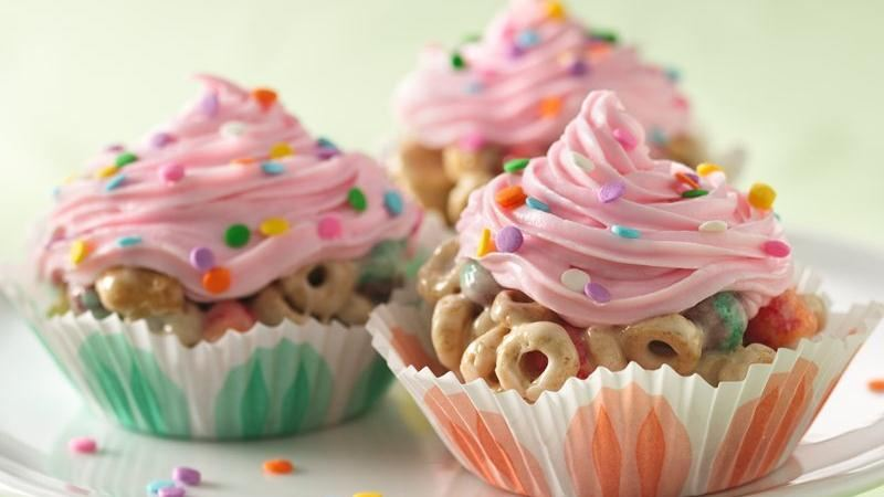 Cereal With Milk Cupcakes