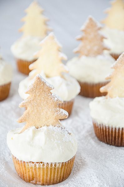 Biscuit Christmas Tree Cupcakes