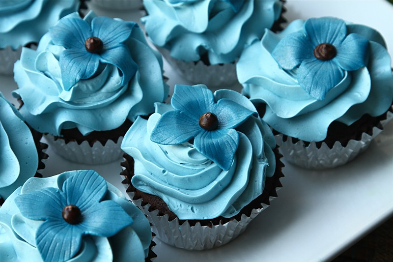 Refreshing Floral Cupcakes