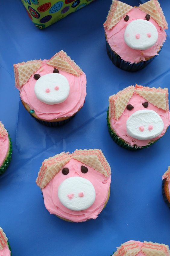Pig Wafer Cupcakes