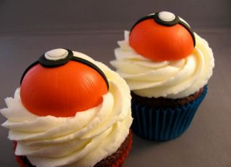 Mini Pokemon Balls Cupcakes