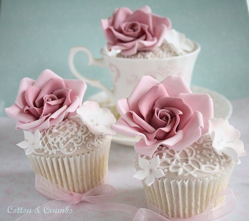 Stunning Full Bloomed Rose And Lace Cupcakes