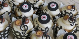 Music Notes And CDs Cupcakes