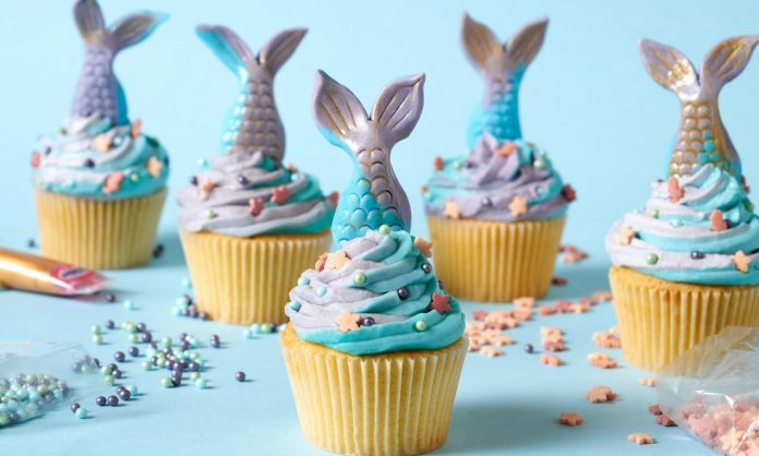 Two Toned Mermaid Tail Cupcakes